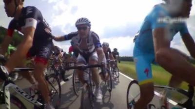 Les cyclistes sont malades : Caméra à l'intérieur d'un peloton