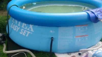 Chauffer une piscine gratuitement avec une bonne vieille méthode à la Russe