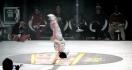 Une fillette de 6 ans hallucinante pendant un battle de Breakdance