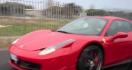 Il filme le crash d'une Ferrari F458 sur l'autoroute