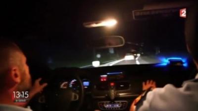Course poursuite sur une route de campagne entre une BMW M3 et la Mégane RS de la Gendarmerie