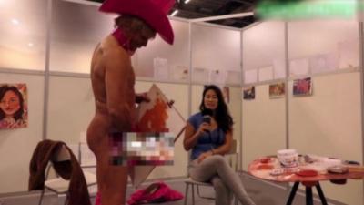 Pricasso : L'homme qui peint des tableaux avec son pénis