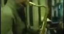 Une battle épique de saxophonistes dans le métro
