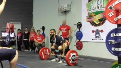 Un haltérophile soulève 190 kilos et là c'est le drame..