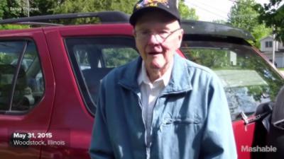 Un homme de 91 ans défonce sa porte de garage avec sa voiture parce qu'il en a toujours rêvé