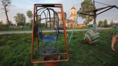 Les aires de jeux pour enfants en Russie sont dignes du film d'horreur Saw
