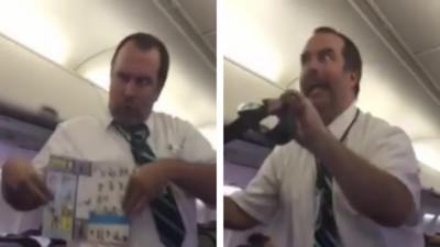 Un steward délirant fait son show pendant les consignes de sécurité