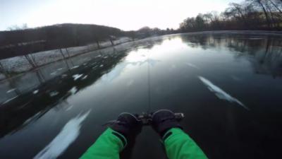 Une glissade en luge à plus de 80km/h sur un lac gelé qui se termine mal