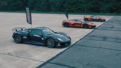 Course de 0 à 300km/h : LaFerrari vs McLaren P1  vs Porsche 918 Spyder