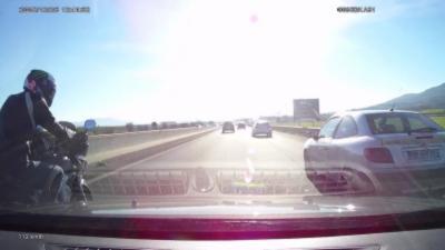 Road Rage avec un motard sur une autoroute française