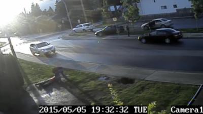 Un an d'événements étranges devant chez lui filmé avec sa caméra de sécurité