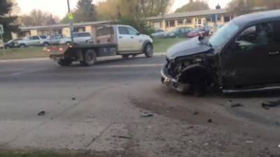 Un homme ivre veut prendre la fuite avec un camion encore plus défoncé que lui