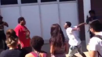 Quand le « petit gros » de l'école se défend contre la brute qui le frappe