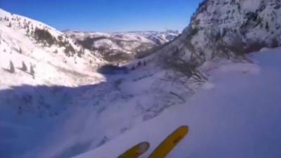 Un skieur fait une terrible chute de 30 mètres de haut après s'être engagé sur une piste sans visibilité