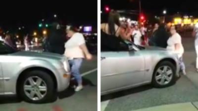 Une manifestante bloque volontairement une voiture et finit par se faire renverser