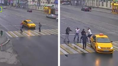 Il bloque le passage d'un taxi et tout dégénère rapidement en bagarre générale