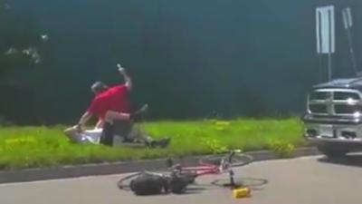 Un automobiliste attaque un cycliste de 71 ans avec une matraque après un road rage