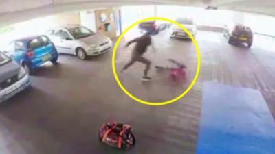 Un voleur de voiture va avoir ce qu'il mérite quand le propriétaire va se retrouver en face de lui