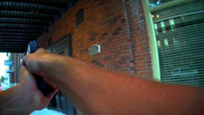 Un policier tire sur un acteur en plein tournage d'une scène de braquage