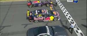 Course entre une Mercedes AMG SL63, une V8 Supercar et une Formule 1