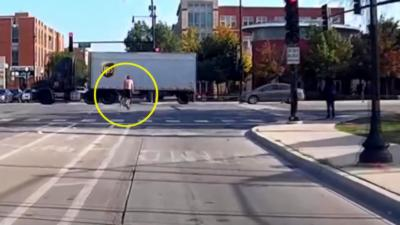 Un cycliste grille un feu rouge et se fait violemment renverser
