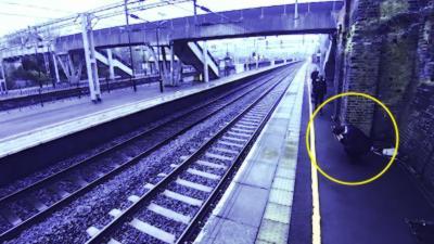 Une mère de famille sauve in extremis un homme qui voulait se jeter sous un train
