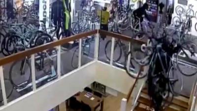 Des voleurs dérobent pour 100 000 euros de vélos dans un magasin spécialisé