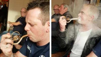 La blague de la pipe dans un pub aux Pays de Galles