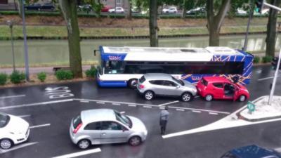 Deux Toulousains prennent une voie de bus à contresens et n'arrivent pas à se débloquer