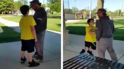 Un enfant insolent se fait calmer par un adulte