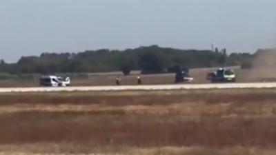 Course-poursuite sur les pistes de l'aéroport de Lyon entre un automobiliste et des voitures de police