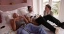 Deux hommes expérimentent l'accouchement