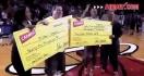 Un lancé au Basketball à 75.000$ et un calin de James LeBron