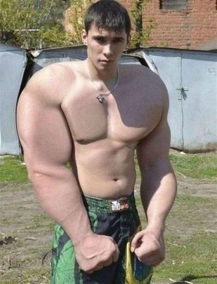 17 personnes qui ont très clairement abusé de Photoshop pour se rendre musclé