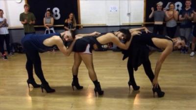 Des mecs en talons dansent sur du Beyoncé et ils déchirent tout