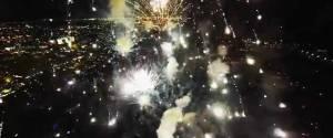 Filmer un feu d'artifice de très près avec un drône
