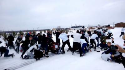 En Russie : Bagarre géante organisée entre supporters de foot