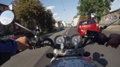 Un jeune motard va regretter de rouler comme un fou en ville