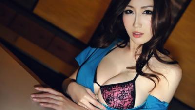 Une société chinoise offre une nuit avec une star du porno pour son employé de l'année