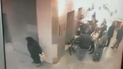 Ce que fait cette femme dans un hôpital est ignoble
