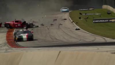Une Ferrari 458 s'envole et percute violemment le grillage de sécurité
