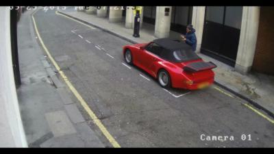 Il tente de voler une Porsche en pleine rue à Londres