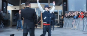 Il se fait passer pour Justin Bieber devant des milliers de fans