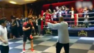 Un maître de Taï Chi parie 5 000 dollars qu'il va battre un combattant MMA lors d'un combat