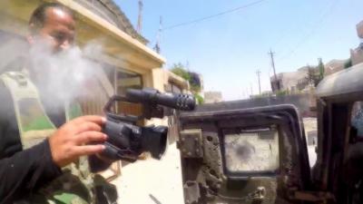 Un sniper de Daesh tire une balle sur un journaliste qui s'en sort grâce à sa GoPro