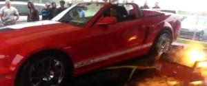 Une Shelby GT500 détruit un dynamomètre