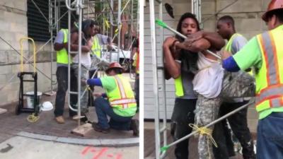 Des ouvriers donnent une bonne leçon à un voleur en attendant la police