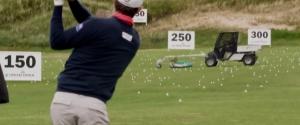 Quand un joueur de golf pro embête un ramasseur de balle
