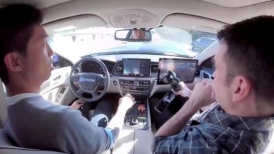 Une voiture autonome percute un véhicule pendant une démonstration avec des journalistes