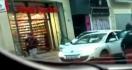 Un passant filme le braquage d'un Foot Locker à Marseille